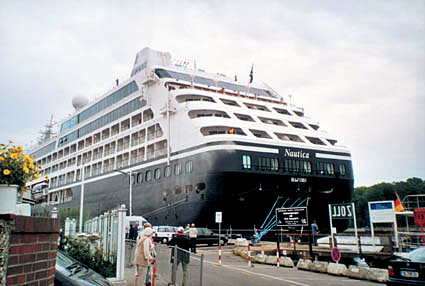 MS Nautica in Travemünde