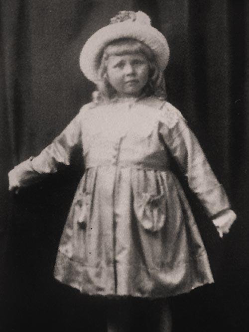 Achterdeck 9 Travemünde - Old Dutch - Trui Oving mit 5 Jahren