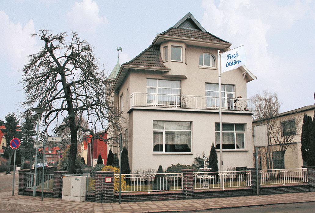 Rose 18 - Das Karstedtsche Haus