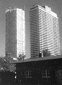 Alter Leuchtturm verpackt in Travemünde